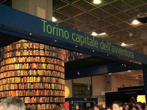 1200px-Torino-Fiera_libro_2006-DSCF6977